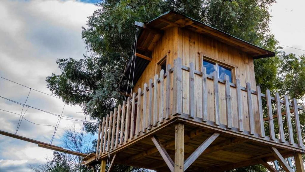 do you need a permit to build a treehouse